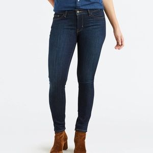 Levis Mid-Rise Skinny Jeans